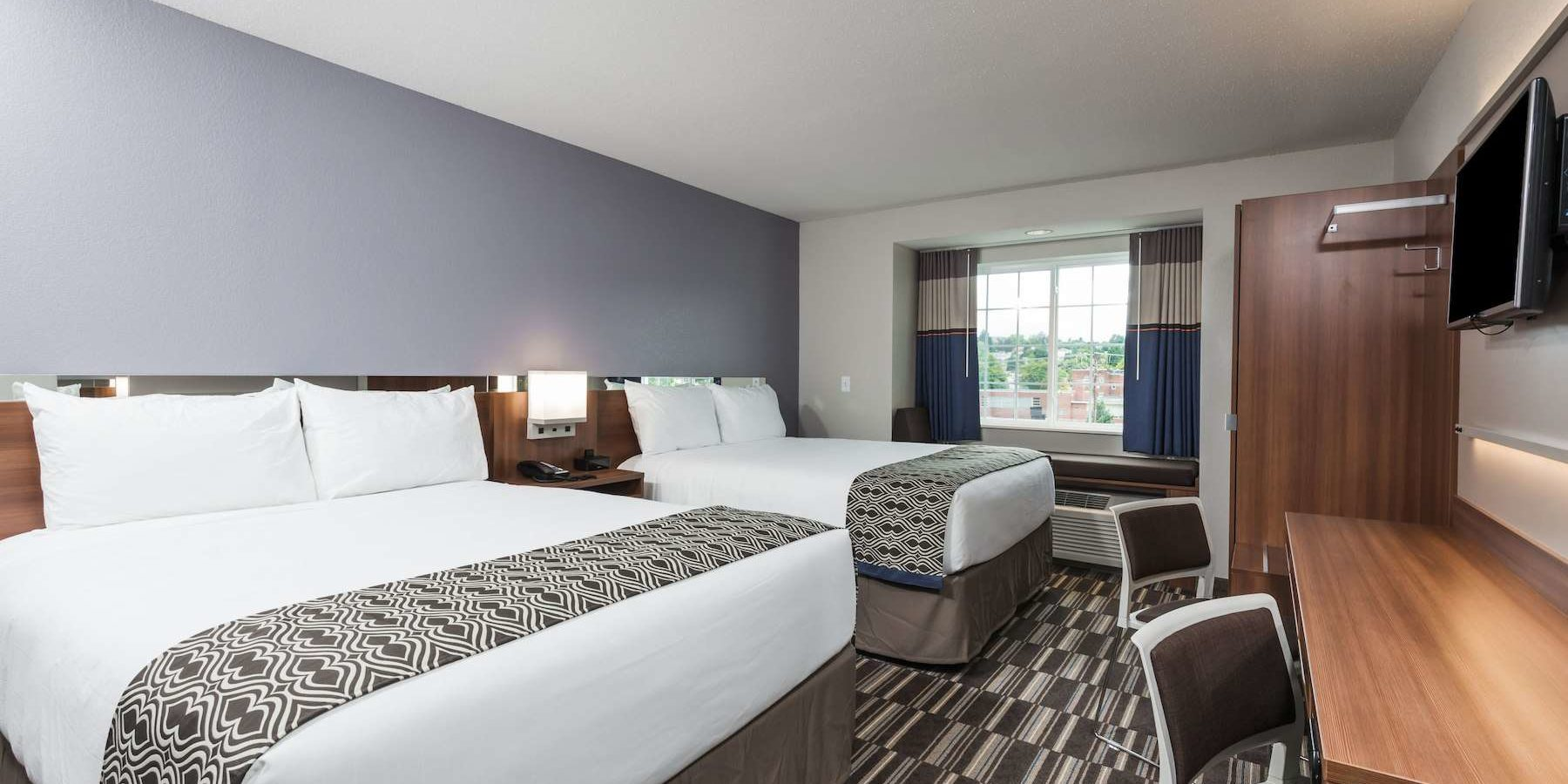 microtel-altoona_guest_room_1
